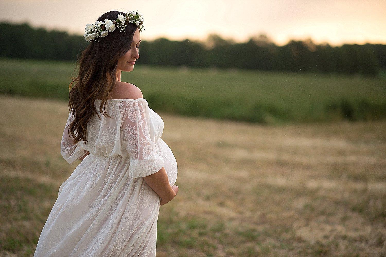 Jordan – Barrie Countryside Maternity Photos