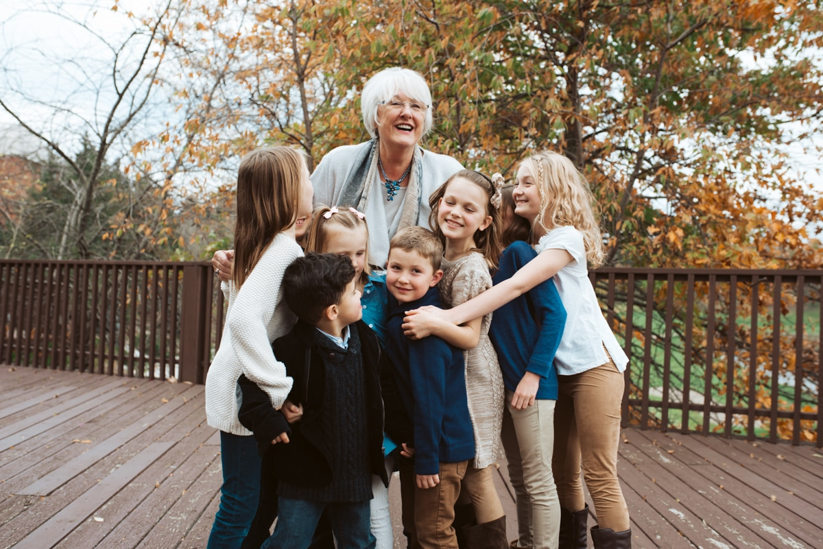 candid family photographer generation photos
